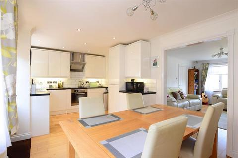 3 bedroom terraced house for sale - Dartmouth Close, Brighton, East Sussex