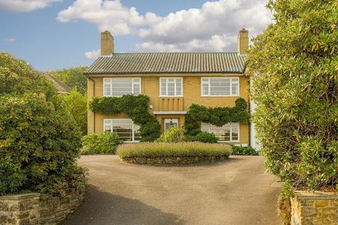 6 bedroom detached house - Ruxley Crescent, Claygate