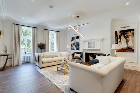 3 bedroom apartment for sale - Empire House, Thurloe Place, London, SW7