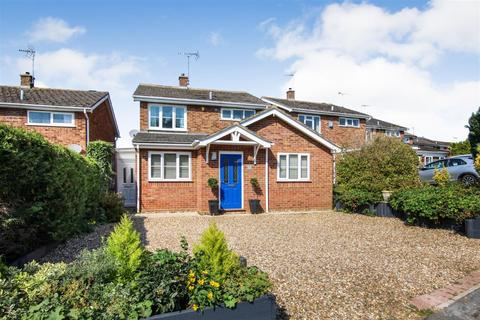 3 bedroom detached house for sale - Willow Way, Wing