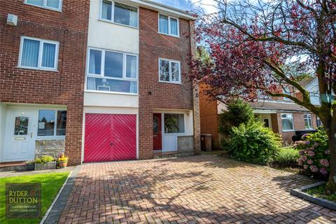 3 bedroom townhouse for sale - Taunton Avenue, Bamford, Rochdale, Greater Manchester, OL11