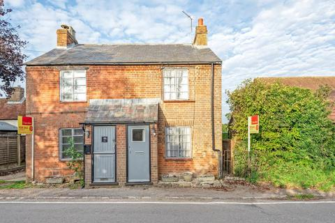 2 bedroom semi-detached house for sale - Bishopstone,  Aylesbury,  Buckinghamshire,  HP17