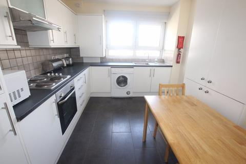 4 bedroom flat to rent - Amphill Square Camden NW1