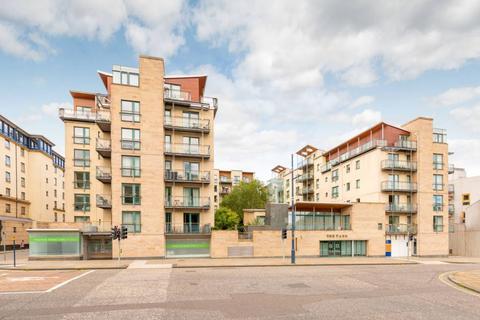 2 bedroom flat for sale - 89/62 Holyrood Road, Edinburgh, EH8 8BA