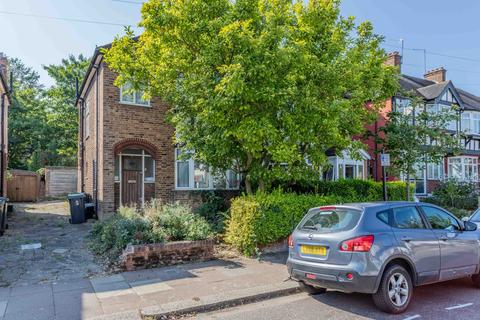 3 bedroom semi-detached house for sale - Passmore Gardens, London, N11