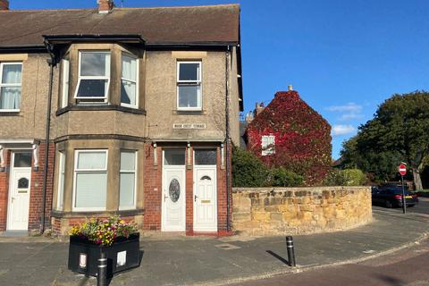 2 bedroom flat - Moor Crest Terrace, North shields, North Shields, Tyne and Wear, NE29 9LW