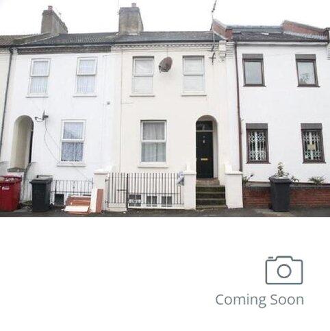 5 bedroom terraced house to rent - Park Street, Slough, Berkshire. SL1 1PX