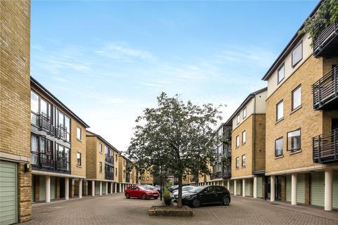 2 bedroom flat to rent - Vantage Mews, London, E14