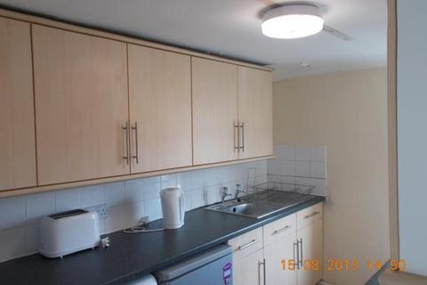 9 bedroom maisonette to rent - Falmouth Road Heaton (FALMO5)