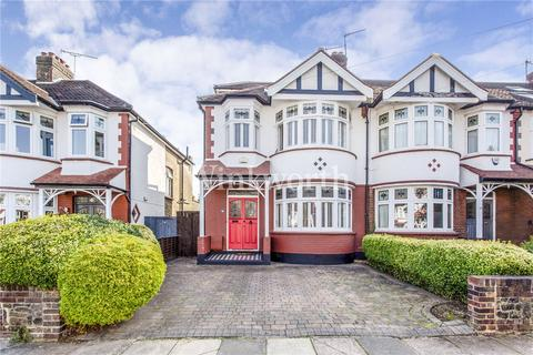 4 bedroom end of terrace house for sale - Madeira Road, London, N13