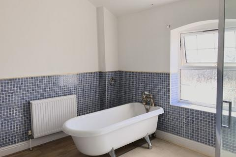 3 bedroom flat to rent - Elias Street, Neath, Neath Port Talbot.