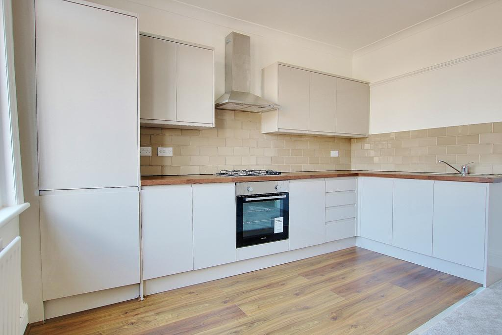 bitterne, southampton 3 bed flat for sale - 155,000