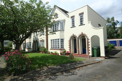 2 bedroom flat to rent - Lockchase, Blackheath SE3