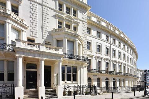 2 bedroom apartment for sale - Palmeira Square, Hove, East Sussex, BN3