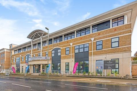 Studio for sale - London Road, Staines-Upon-Thames, TW18