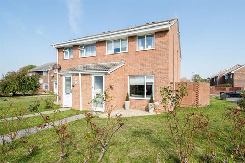 3 bedroom semi-detached house for sale - Gibson Close, Lee-on-the-Solent, Hampshire