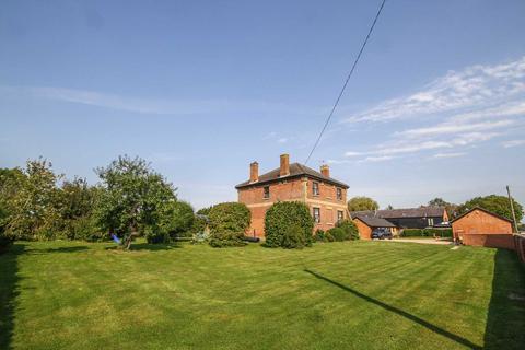 4 bedroom farm house to rent - Puttenham, Near Tring