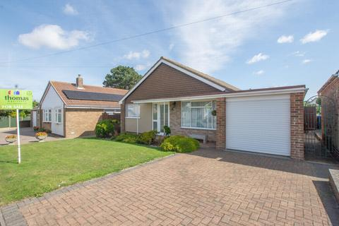3 bedroom detached bungalow for sale - Beauxfield, Whitfield, CT16