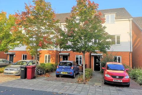 4 bedroom townhouse to rent - Kennet Island,  Reading,  RG2