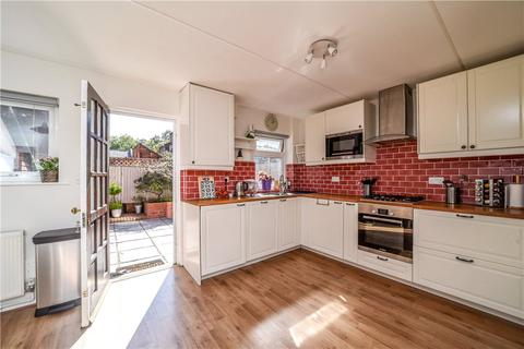 2 bedroom apartment for sale - Disraeli Close, London, W4