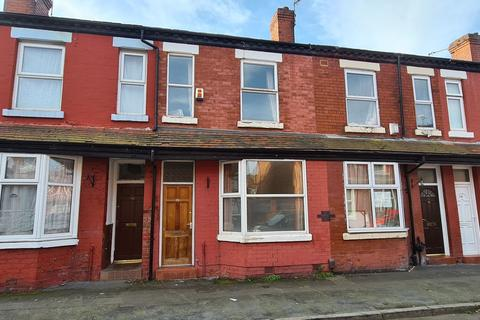 3 bedroom terraced house to rent - Albemarle Street, Manchester, M14 4NF