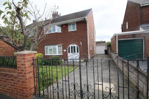 3 bedroom semi-detached house for sale - The Meadows, Shotton