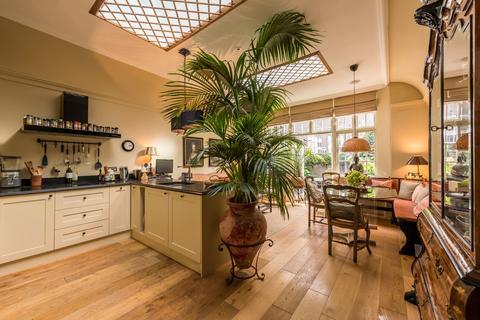 5 bedroom terraced house - South Terrace, SW7