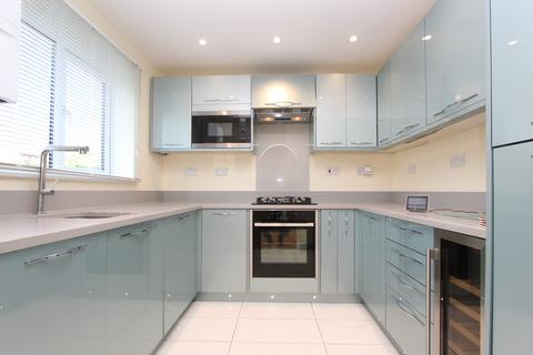 2 bedroom ground floor flat to rent - Greenway Close