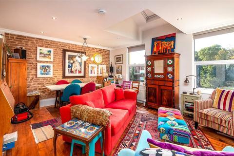 2 bedroom flat for sale - Blythwood Road, London, N4