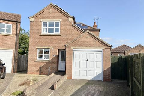 3 bedroom detached house - Mallard Close, Driffield
