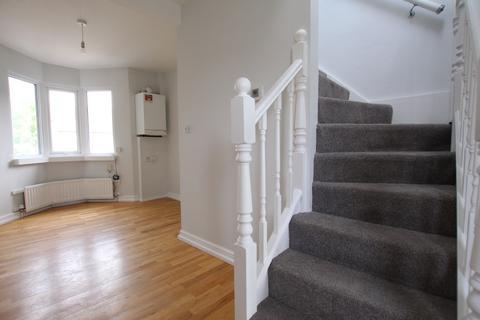 2 bedroom maisonette to rent - Ecclesbourne Close, London