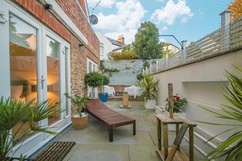 3 bedroom apartment to rent - Florence Road, Brighton