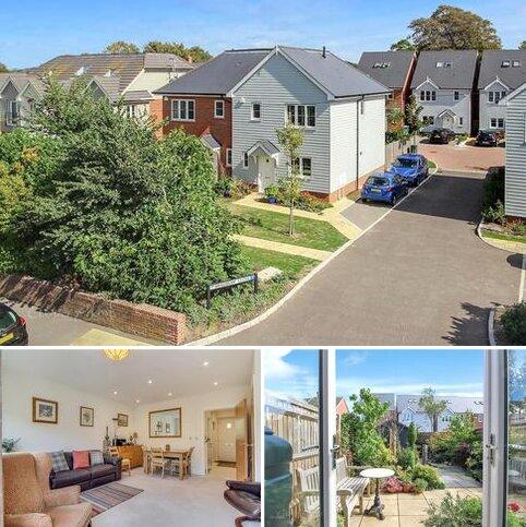 3 bedroom semi-detached house for sale - Bradbury Close, East Preston, BN16