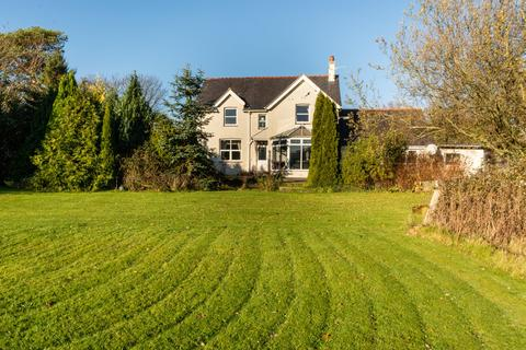 4 bedroom detached house for sale - Talwrn Road, Pentraeth, Isle Of Anglesey, LL75