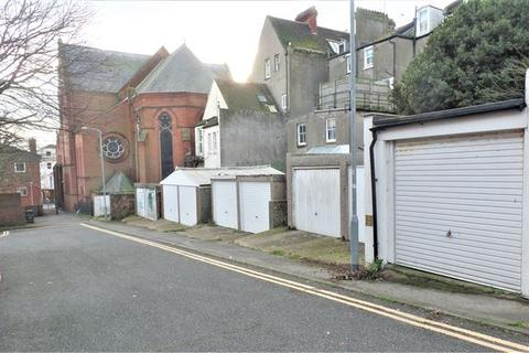 Garage to rent - St Marys Place