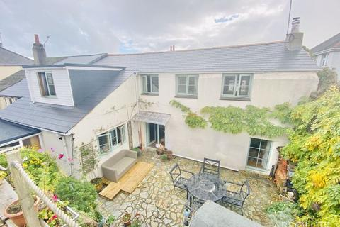4 bedroom end of terrace house for sale - Cecil Road, Paignton