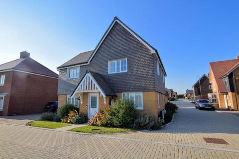 4 bedroom detached house for sale - Bobby Road, Kingsbrook