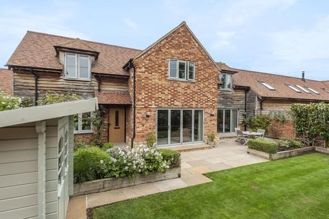 4 bedroom barn conversion for sale - Oakley, Buckinghamshire