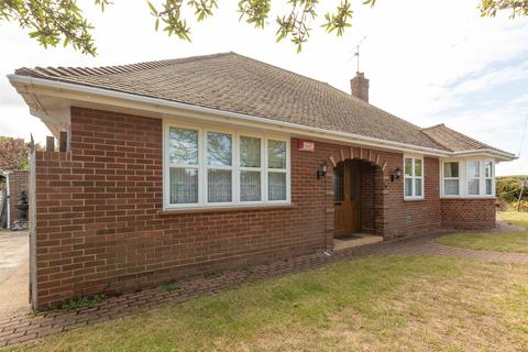 3 bedroom detached bungalow for sale - 51, Elm Grove, Westgate-On-Sea