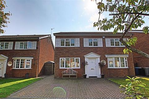 3 bedroom detached house to rent - Cottesmore Gardens, Hale Barns