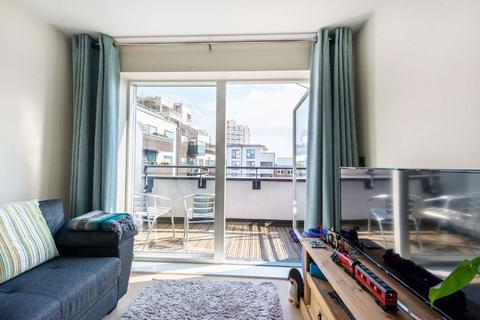 1 bedroom flat for sale - Singer Mews, Clapham, London