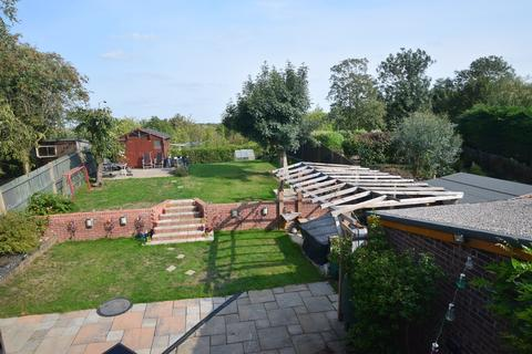 5 bedroom detached house - Wey Close, Lords Wood, ME5