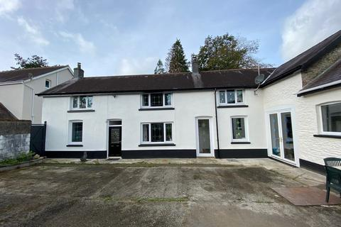3 bedroom property with land for sale - Alltwalis, Carmarthen, SA32