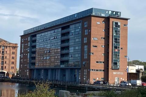 2 bedroom apartment - William Jessop Way, Liverpool, L3