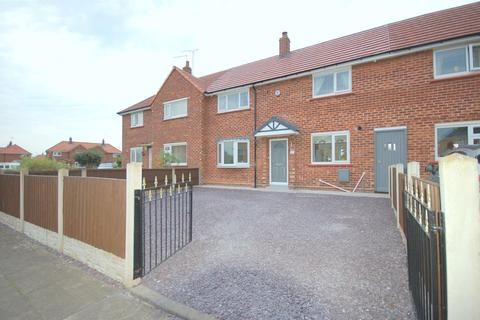 3 bedroom terraced house for sale - Capesthorne Road, Crewe