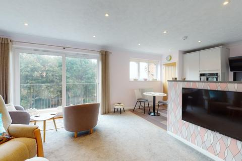 2 bedroom flat for sale - Pegwell Road, Ramsgate