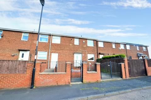 4 bedroom semi-detached house for sale - Westerham Close, Witherwack, Sunderland