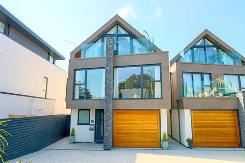 4 bedroom house for sale - Sandbanks Road, Lilliput, Poole