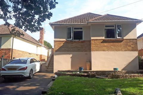 2 bedroom detached bungalow for sale - Moorside Road, Kinson, Bournemouth