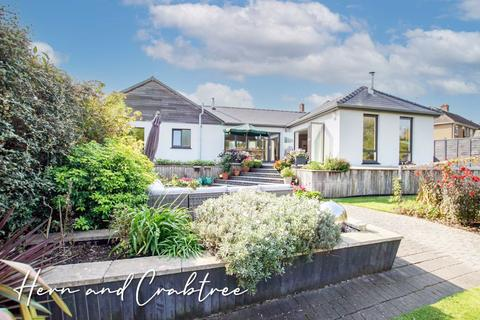 4 bedroom detached bungalow for sale - Marionville Gardens, Llandaff, Cardiff